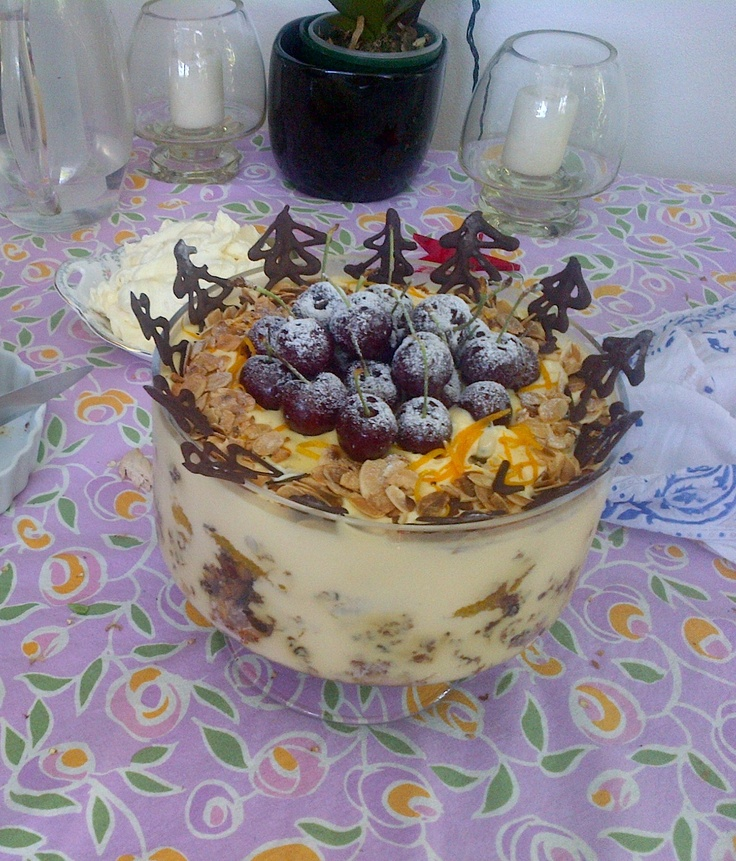 My Christmas pudding trifle - crumbled plum pud, orange segments (no ...