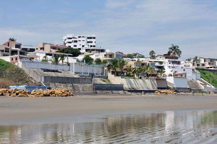 Playa El Murciélago - Manta,Ecuador - Foto Turismo Ecuador