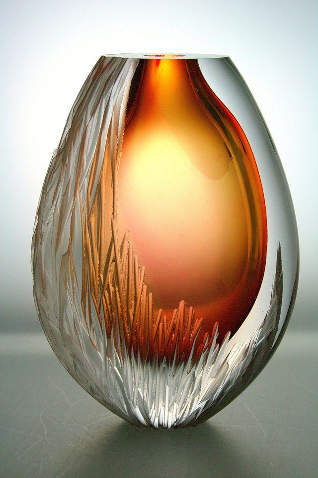 Design: Patrick de Keijzer, made by master-glassblower Gert Bullée and master-grinder Albert Seubring. Collection: www.kristal-glas.nl