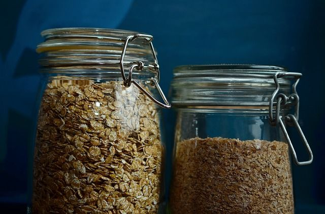 10 Crazy, Unordinary Uses For Oatmeal That Make Homesteading Easier