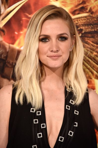 "Ashlee Simpson Photos: Premiere Of Lionsgate's ""The Hunger Games: Mockingjay - Part 1"" - Arrivals"
