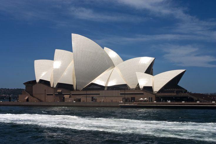 https://www.google.com.au/search?safe=active&hl=en&site=imghp&tbm=isch&source=hp&biw=1366&bih=635&q=Postmodernist%2Fdeconstructivist+architecture+in+Australia&oq=Postmodernist%2Fdeconstructivist+architecture+in+Australia&gs_l=img.3...5133.5133.0.6018.1.1.0.0.0.0.204.204.2-1.1.0....0...1ac..64.img..0.0.0.Aa9hc-GPFBU#safe=active&hl=en&tbm=isch&q=Postmodernist%2Fdeconstructivist+architecture+in+Australia+sydney&imgrc=GBDj9JCeBThvQM%3A