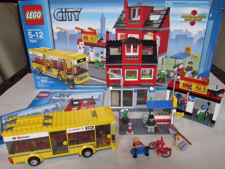 LEGO 7641 City Corner Bus Stop Bike Pizza Shop 100% completed with Instructions