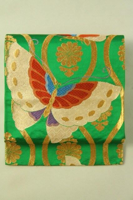 Green Fukuro Obi (Rokutsu), Gold and Big Batterfly Pattern / 緑地 金菊立涌に揚羽蝶の佐賀錦風柄 六通袋帯 #Kimono #Japan http://www.rakuten.co.jp/aiyama/