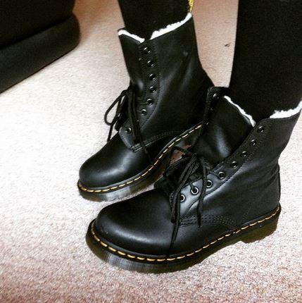 Dr Martens Serena 8 Eye black lace up boots @pebblesetc