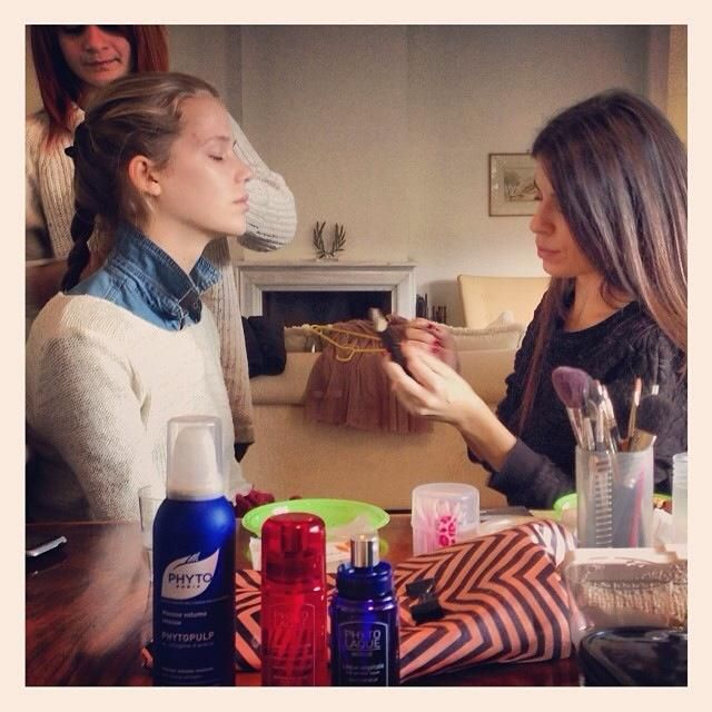"Backstage της φωτογράφισης ""je t'aime un peu plus fort"" του Tickityflippinboo Magazine με προϊόντα styling μαλλιών PHYTO αποκλειστικά!"