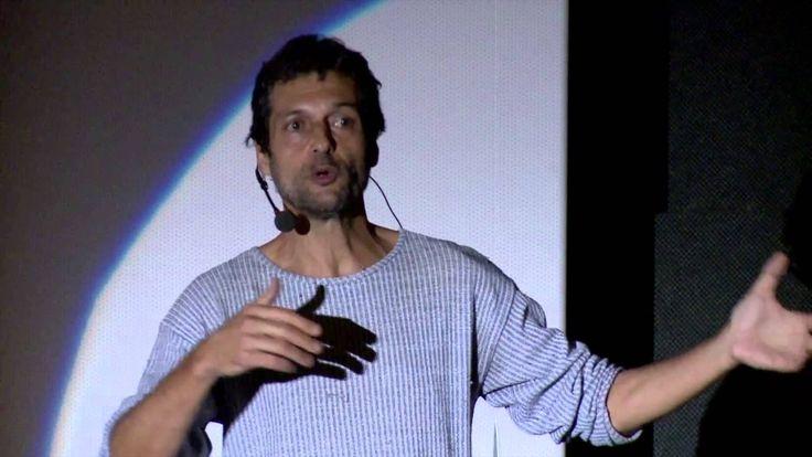 A determinação para achar o sentido da vida: Eduardo Marinho at TEDxAvCa...