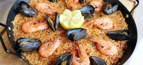 Δες εδώ μια πολύ νόστιμη συνταγή για Γνήσια παραδοσιακή Ισπανική παέγια με μύδια και γαρίδες, μόνο από τη Nostimada.gr