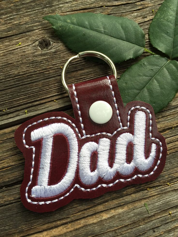 New to babymoon on Etsy: Dad keyring - Father's Day gift - dad keychain - best gifts for dad - vustom colors available - dad gifts - gifts for men (9.99 USD)