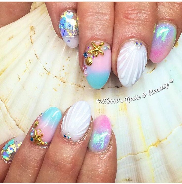 Mermaid nails | Pink and blue ombré, glitter, 3D seashell nail
