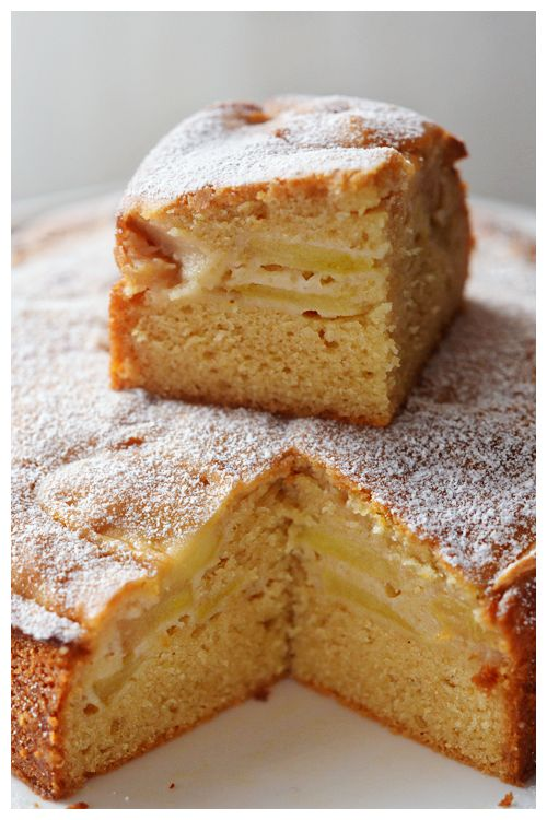 Apple and Yoghurt Cake©: Chockful of apples and yoghurt, this moist cake is the perfect mid-afternoon pick me up. mmm <3<3<3
