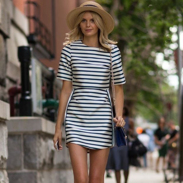Όλες οι τάσεις που επικρατούν στα καλοκαιρινά φορέματα σε ένα video