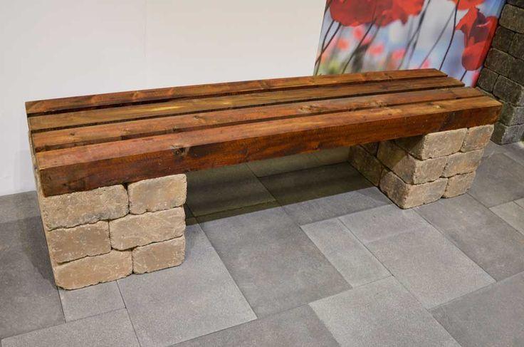 Enkel benk i Herregård mur, fargen brunmix og treverk fra Talgø MøreRoyal®