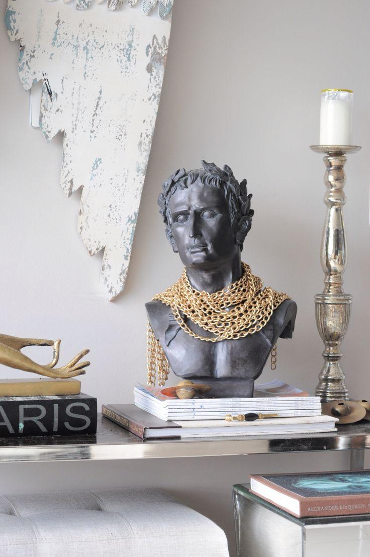 Consola busto romano