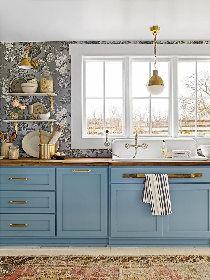 Ideas for Kitchen Paint Colors. Ideas for Kitchen Paint Colors. 17 Best Kitchen Paint Ideas that You Will Love Kitchen Colour Schemes, Kitchen Paint Colors, Color Schemes, Kitchen Paint Design, Kitchen Paint Schemes, Color Combos, Blue Kitchen Cabinets, Wallpaper On Kitchen Cabinets, Modern Kitchen Wallpaper Ideas