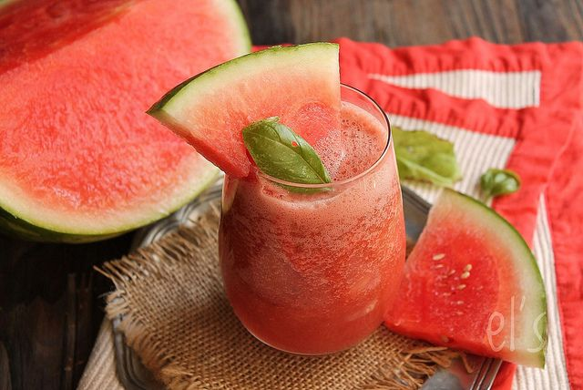 "Smoothie pastèque, pamplemousse et basilic « le déroutant » - Watermelon Smoothie, grapefruit and basil ""the confusing"""