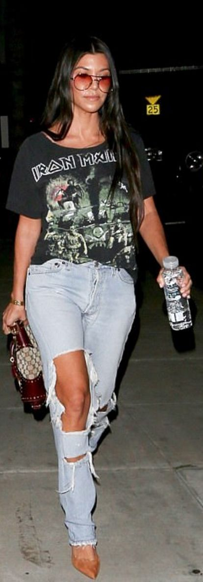 Who made Kourtney Kardashian's gold jewelry, brown print handbag, suede tan pumps, and black print top?
