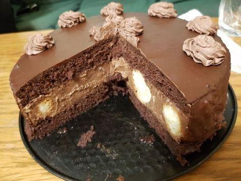 Tort profiterol cu crema de ciocolata