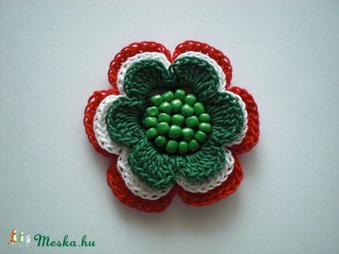 Meska - Magyar nemzetiszínű horgolt kokárda Emilia02 kézművestől