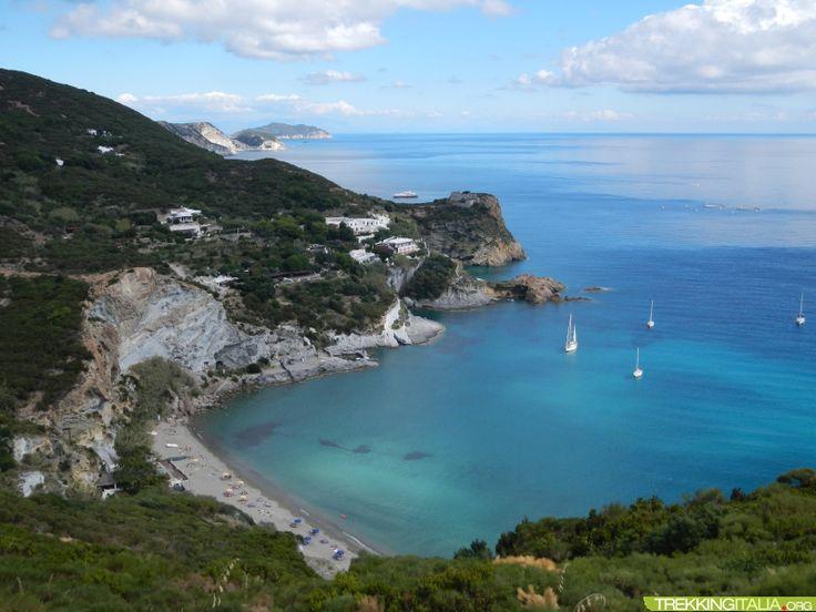 Isole Pontine Trekking http://www.trekkingitalia.org/scheda/index/5695/11131/