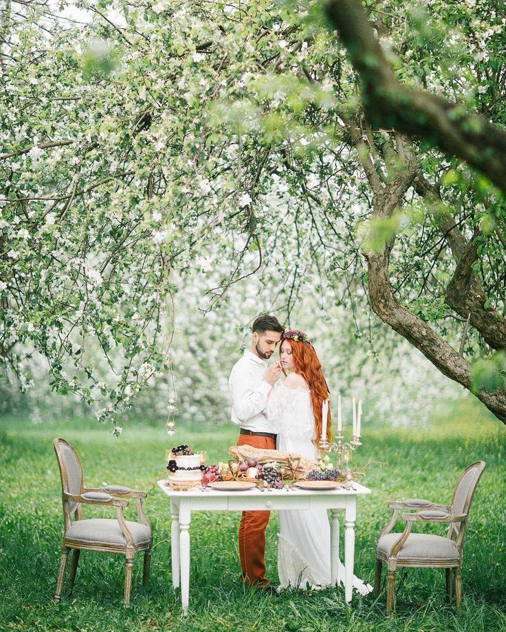 Скоро лето ! Лето моя любимая пора. Летом не чувствуешь себя капустой ��, лето пора отпусков и каникул , можно проводить красивые фотосессии на природе , ну и летом у меня день рождения ��. А вы любите лето ? За что любите ? Или за что не любите ? А может любите другое время года ? #primavera #portrait #happy #love #lifestyle #wedding #weddingdress #weddingdecor #weddingcake #weddingphotography #фотограф #фотографкрым #фотографиталия #фотографкрасногорск #свадьба #лето #невеста #жених…