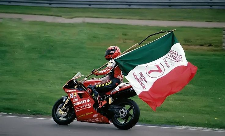 Pierfrancesco Chili - Ducati 916 - WSBK 7 June 1998 - Nurburgring/Germany - Virginio Ferrari Team.  He dominated Race 2 and beat Colin Edwards by 11 seconds.