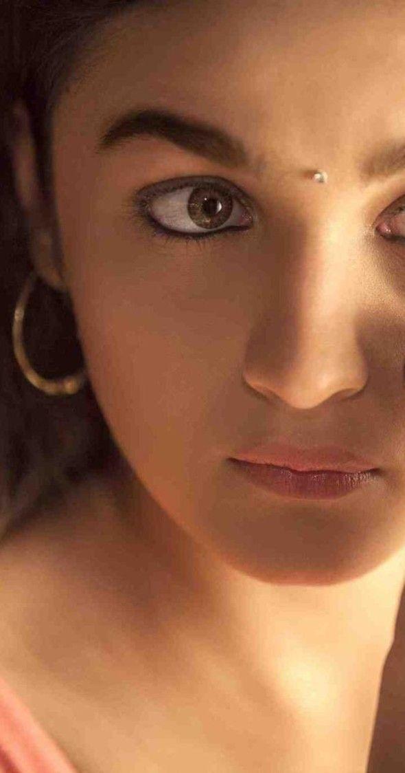 Best Actress (Critics): Alia Bhatt   Movie : Highway   www.indipin.com #indipin