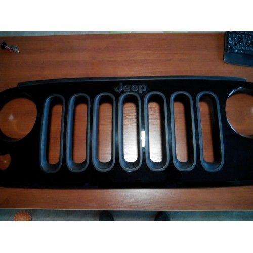 Решётка радиатора Jeep Wrangler JK с вставками