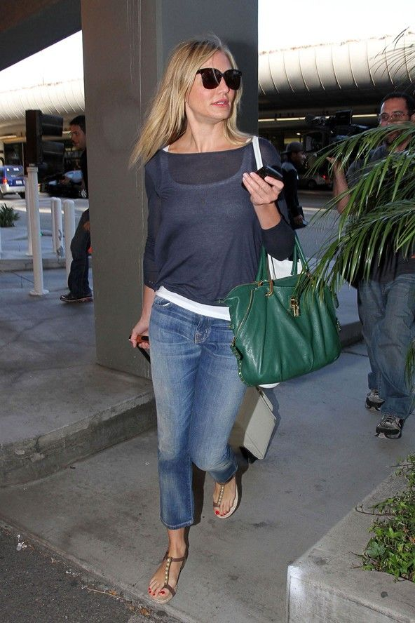 Looking at Cameron Diaz photos...I ABSOLUTELY LOVE HER STYLE.  love this cute, casual, look