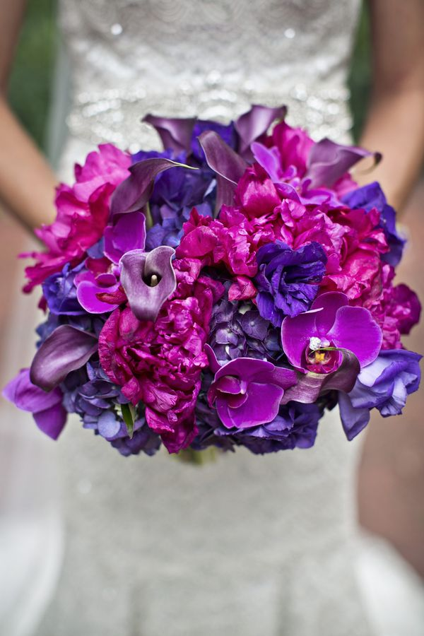 Real Wedding | Radiant Orchid #radiantorchid #pantone photo by Switzerfilm & florals by The Crimson Petal http://www.theperfectpalette.com/2014/02/real-wedding-tara-spencer.html