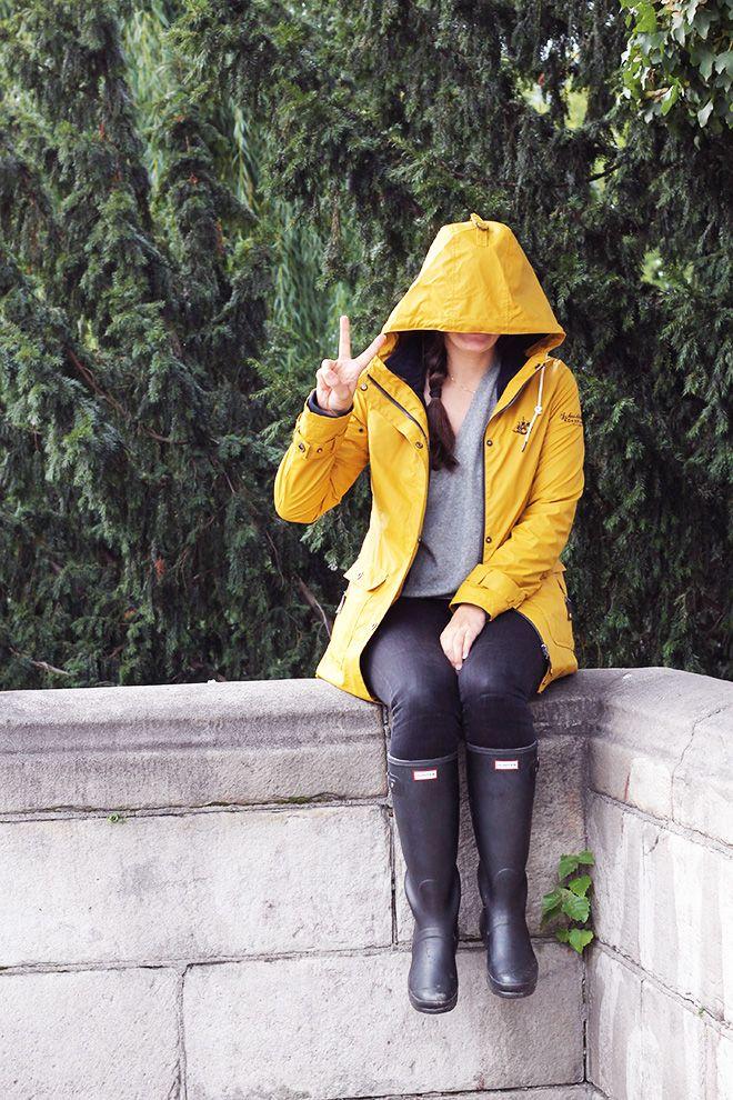 Rainjacket & Hunter Boot // The FASHION ID Blog