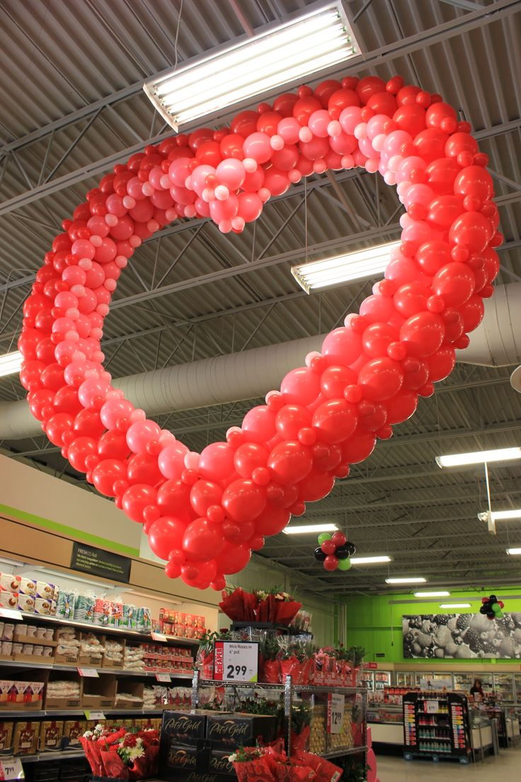 293 best images about balloon valentine figures for Balloon decoration for valentines day