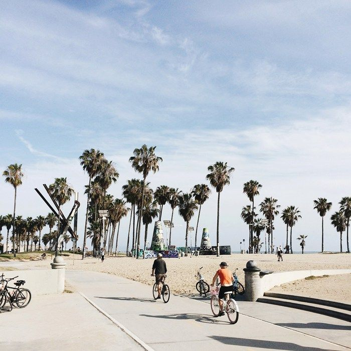 7 Things to do in Los Angeles, California // Stroll along Venice Beach