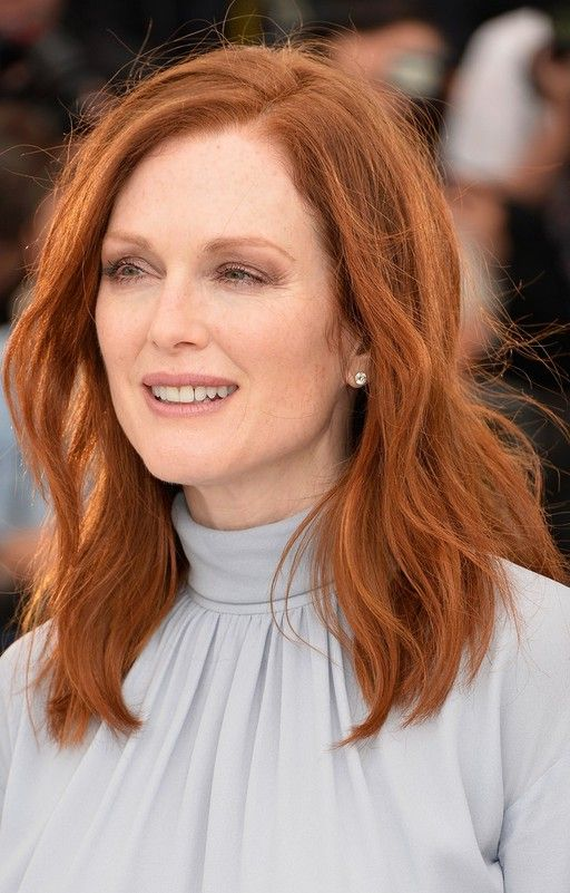 julianne moore medium red wavy hairstyle for women over 50
