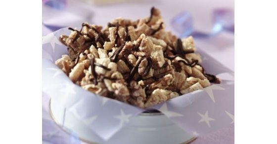 Lonchera 8. 1 banano Snack Mix de Chocolate 200ml de Néctar de melocotón  Tip: Prepare el snack mix con anticipación y guarde en un recipiente con tapa.  Información nutricional: 316 calorías, 68.3g carbohidrato, 4.9g de grasa y 3.7g proteína.