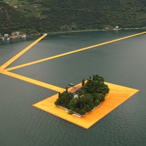 Christo's+Floating+Piers+stretch+out+across+an+Italian+lake