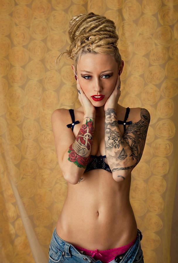 filles sexy tatouées massage erotique capbreton