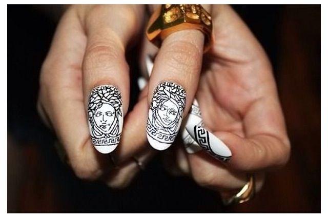Versace, Versace, Versace: Nail Art