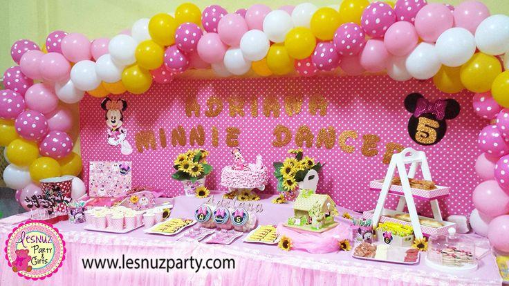 Mesa dulce temática Minnie Bailarina y decoración con globos Minnie - Minnie dessert table and Minnie themed balloons decoration