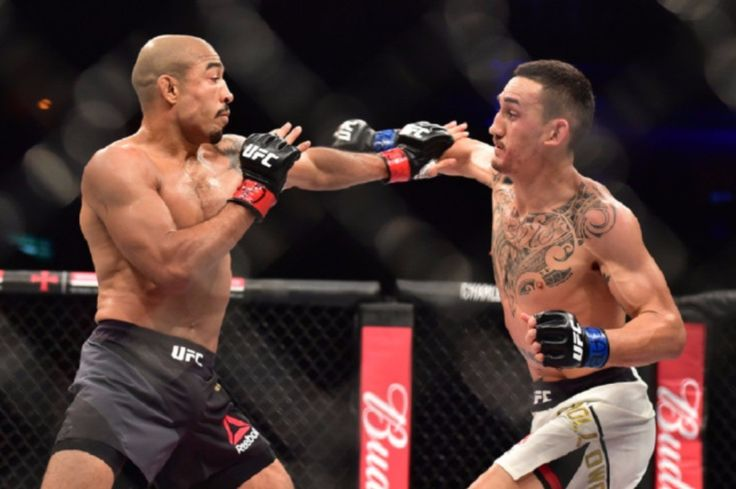 """Former #UFC featherweight #champion Jose Aldo declines moving up to lw and says that @blessedmma is the real champ of the fw division.  He stated : """"Were already talking Im back to training he said. """"Im waiting for my time to come back to fighting but I cant say anything until its done. Ill fight at featherweight theres no reason to move up to lightweight. That division is not moving nobody knows what will happen there. Im a featherweight.  Ill fight in December at most but if I can fight…"""