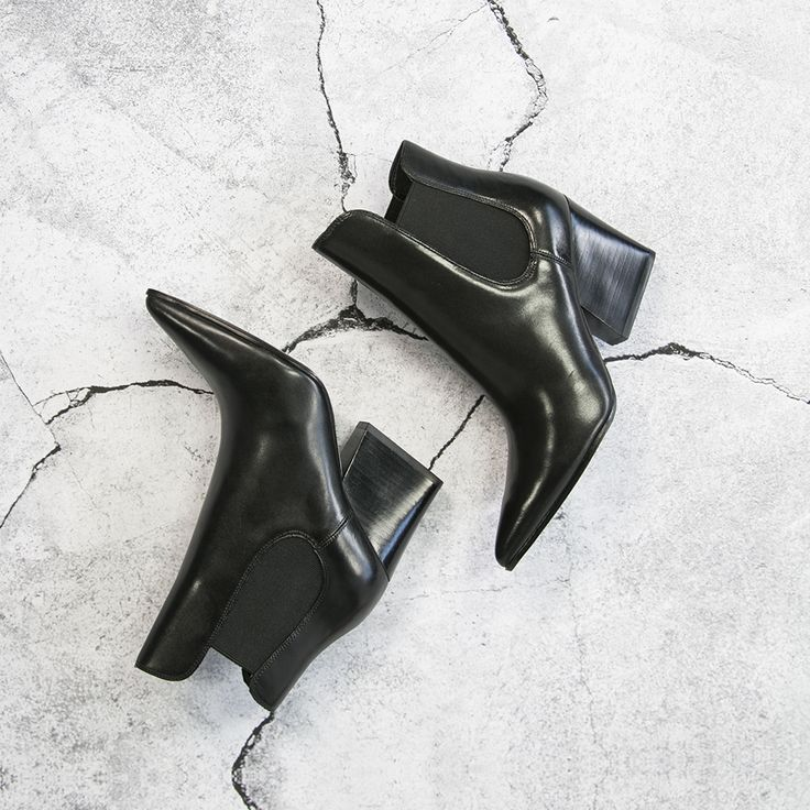 Kendall + Kylie celebrity cheslea boots --> https://www.omoda.nl/dames/chelsea-boots/kendall-kylie/zwarte-kendall-kylie-chelsea-boots-kkfinley-70664.html/?utm_source=facebook&utm_medium=referral&utm_campaign=kylieenkendall11-8&s2m_channel=903