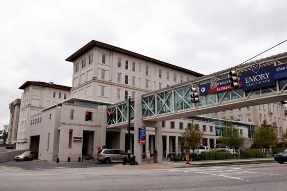 American arrives at Atlanta hospital from West Africa for Ebola testing - REUTERS #Atlanta, #Ebola, #Health