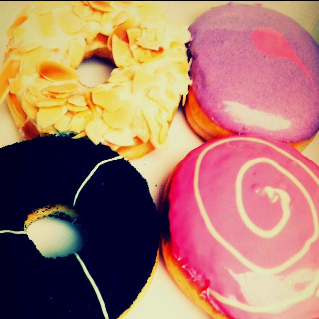 Hello berry #donuts from JCo ❤