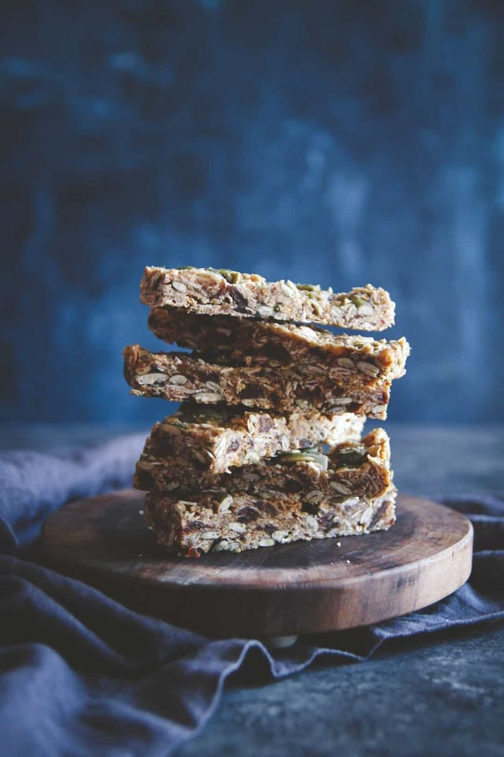 These almond butter date pepita granola bars are a healthy homemade snack recipe that you're going to fall in love with,  naturally sweetened granola bars, the best homemade granola bars you'll ever make!!