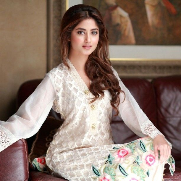 Beautiful @sajalaly in Agha Noor White Embroided #aghanoor #standoutfromthecrowd
