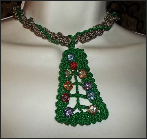 TRADITIONS-The Christmas Tree necklace/choker
