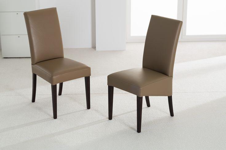 2 bequeme Stühle mit hohem Rücken, Bezug nach Wahl, Stoff und Leder, hochwertige Qualität und regionale Materialien