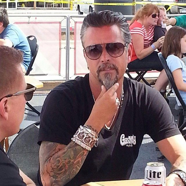 79 best images about fast and loud on pinterest discovery channel garage bar and richard rawlings. Black Bedroom Furniture Sets. Home Design Ideas