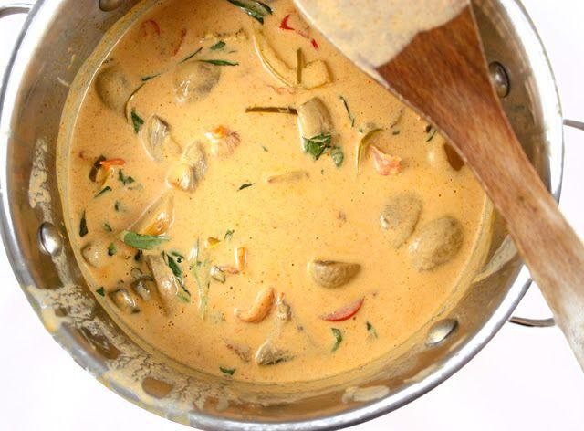 Oppskrift Vegetar Vegan Thaimat Asiatisk Gryte Rød Thaicurry Currypaste Thaibasilikum Kaffir Lime