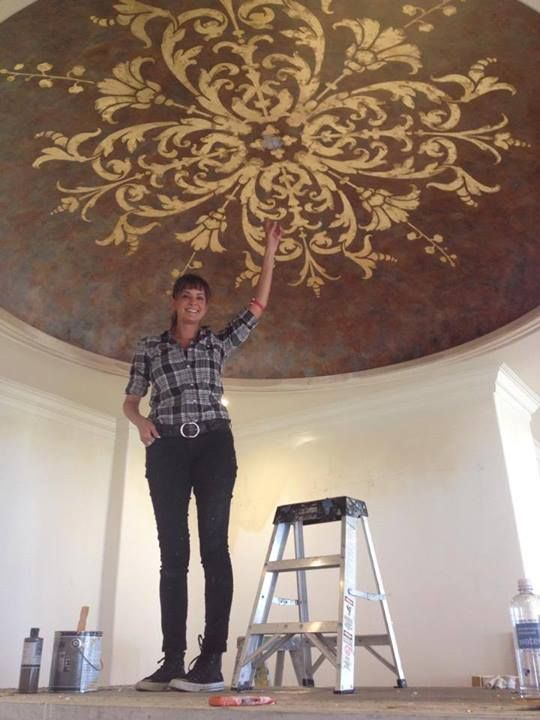 Nichole of Nichole Blackburn Art is a super talent with a heart of GOLD.  When she's not creating amazing Modello stenciled ceilings like this, ...